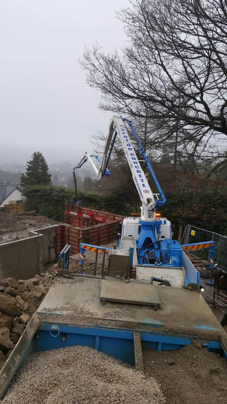 Concrete boom pump bd999cf6-ac0a-487a-91ab-6581211c2c14