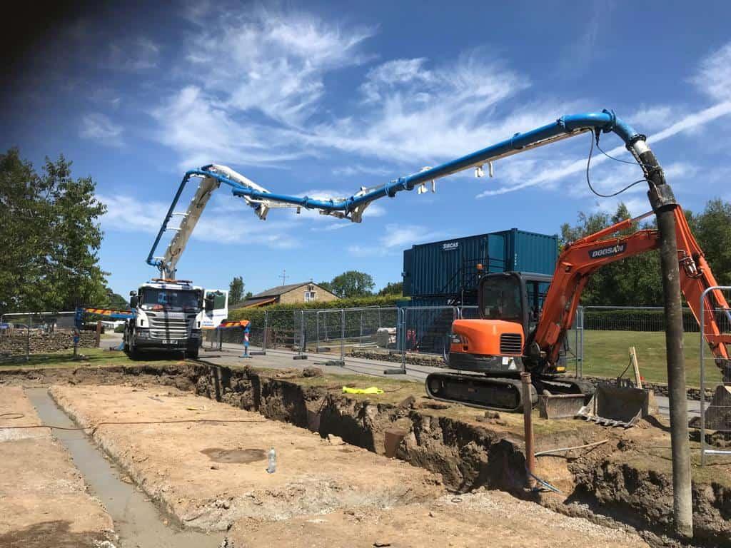 Concrete boom pump fdcb0472-ba4e-425f-92f5-32e200ae67c1 (002)